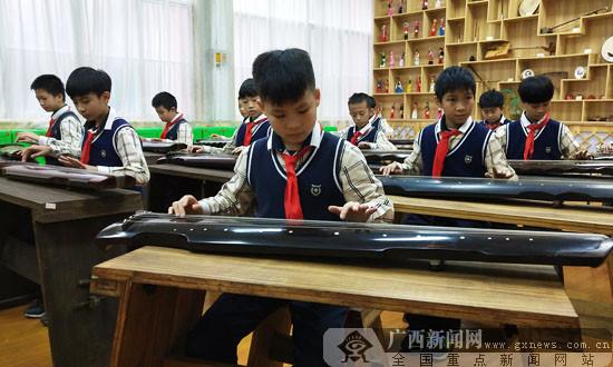 薪火相传 民族文化走进南宁师范学校附属小学