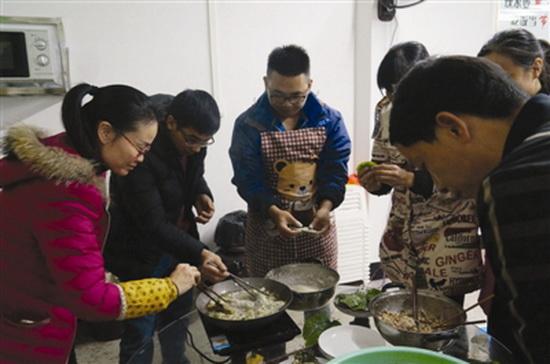 都阳镇举办首届职工厨艺比赛活动