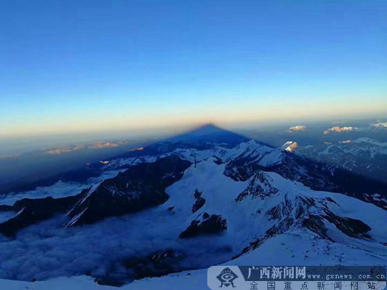 滚动播报:刘政向世界第二高峰发起冲击
