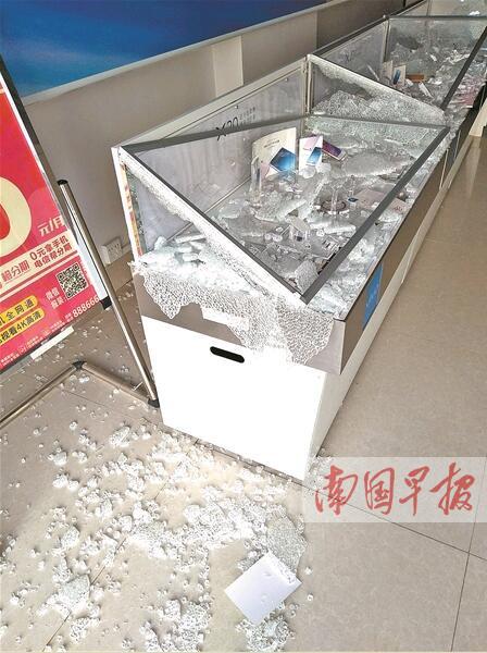 南宁市邕宁区两小区11家店铺凌晨被盗(图)