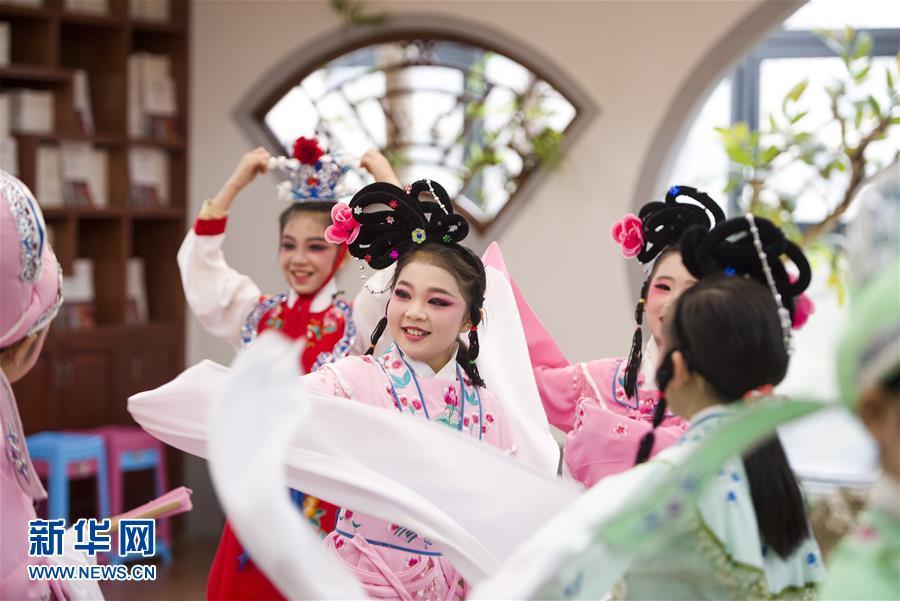 (图文互动)(1)湖北:让传统文化浸润童心 让文化自信薪火相传