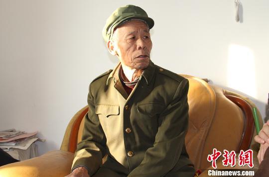 """真人赌博平台:新疆兵团老军垦""""忆苦思甜"""":过去的辛苦是值得的"""