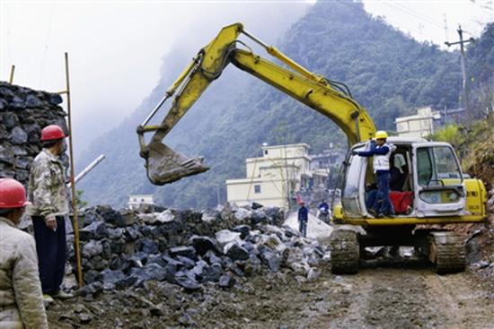 六也至雅龙公路升级改造工程全线开建