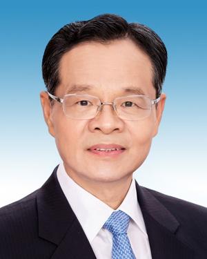 自治区主席陈武同志简历