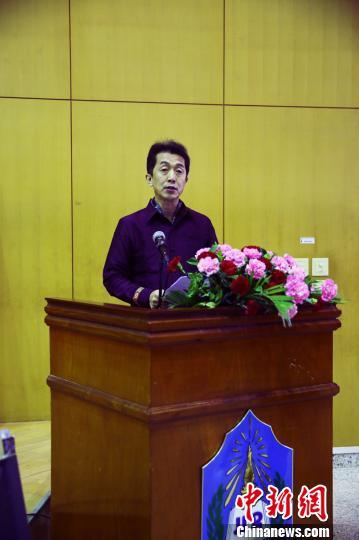 图为赛事国际组委会代表、广西国际文化交流中心秘书长赵克在闭幕式上总结赛事学术特点。 杨陈 摄
