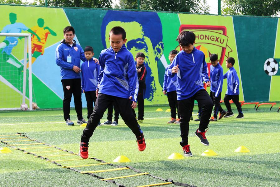 首期冬令营开班 南宁兴宁区创新推进足球青训工作