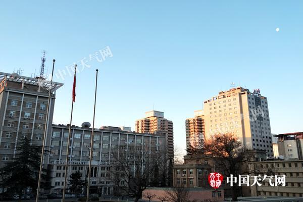 本周弱冷空气频繁影响北京 晴冷为主旋律后期气温波动大