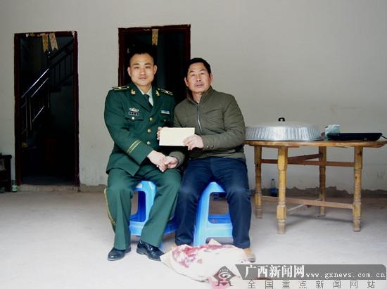 宁明边防武警春节前夕走访慰问辖区退伍老兵