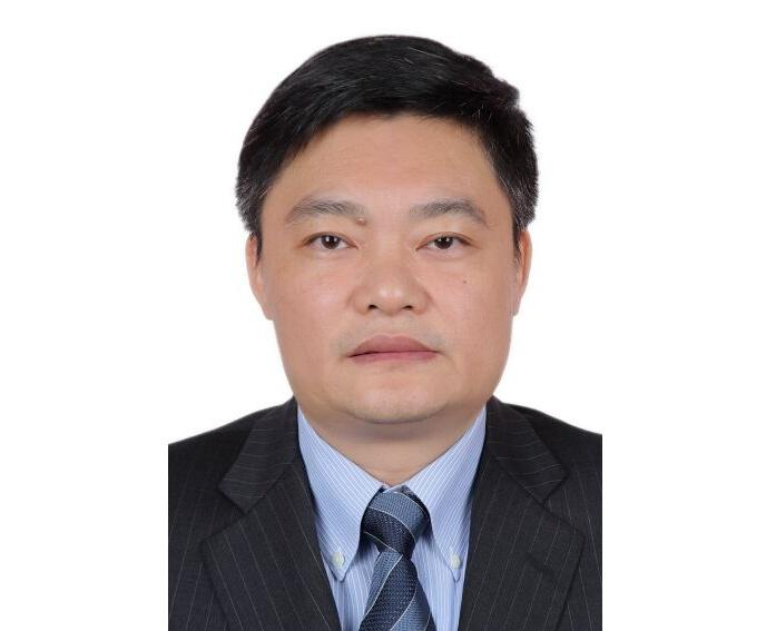 崔佐鈞任廣西日報社社長(附照片、簡歷)