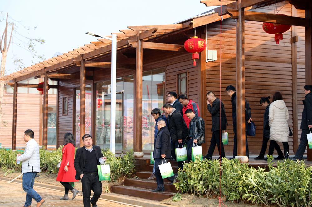 展示长寿食品文化  贺州市长寿食品一条街落成