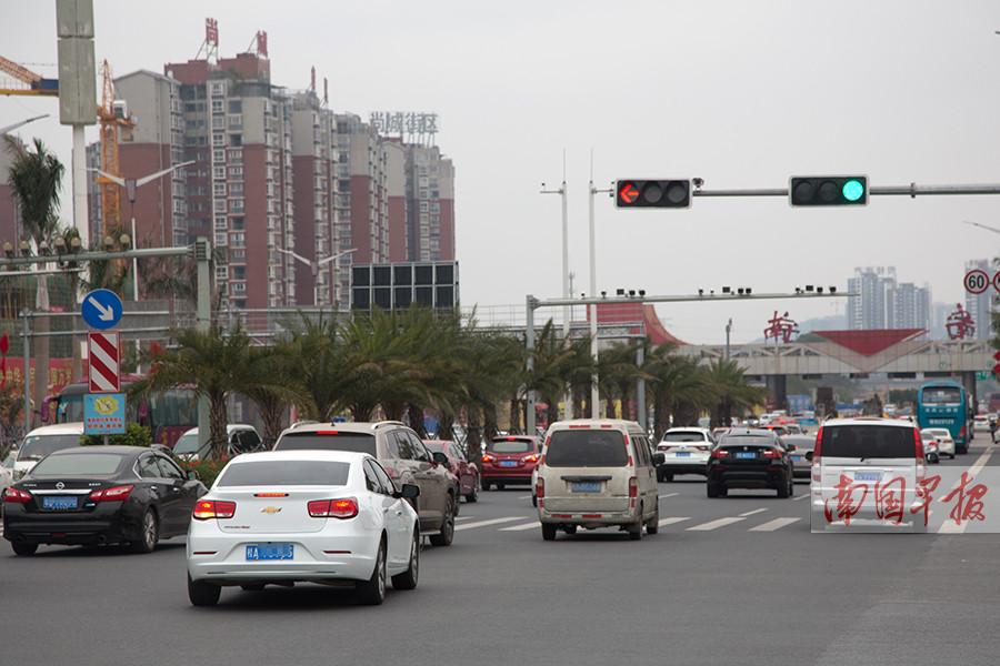 2月22日焦点图:广西各地迎来春节返程客流高峰