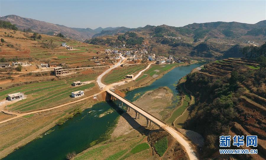 (新春走基层)(7)云南寻甸:筑就农村幸福路