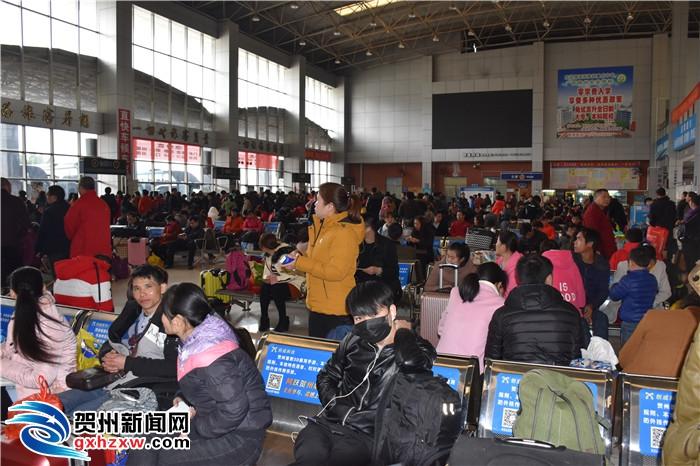 春节假期期间 贺州市完成公路客运量24.58万人次