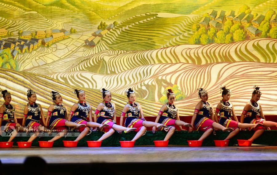 10个乡镇的农村业余文艺代表队展现龙胜风土人情