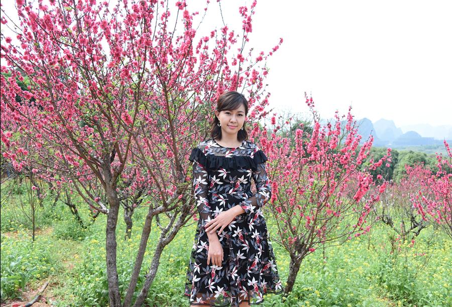 """到花花大世界看桃花朵朵开,还能""""偶遇""""卓依婷"""