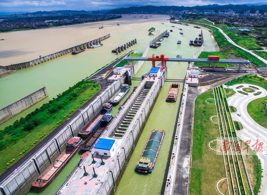 3月6日焦点图:长洲船闸单月货物通过量首超长江三峡