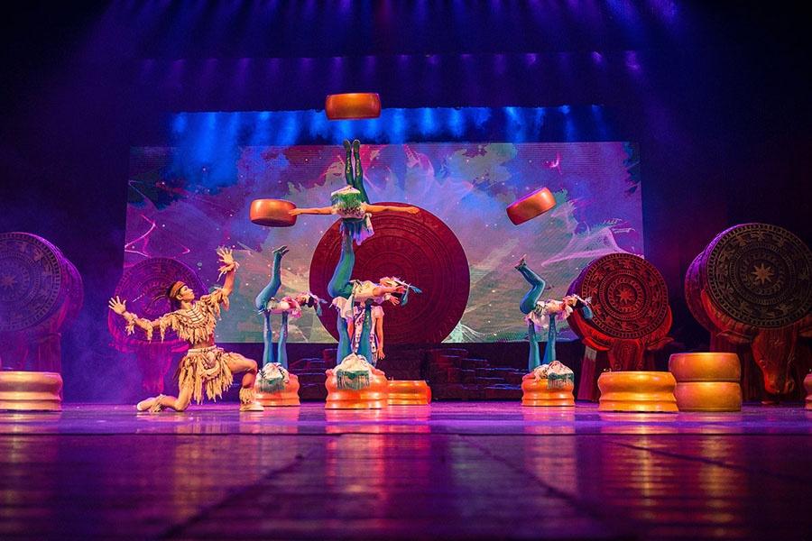 """新加坡春节里的""""广西味""""——广西杂技团《百鸟衣》演出杂记"""
