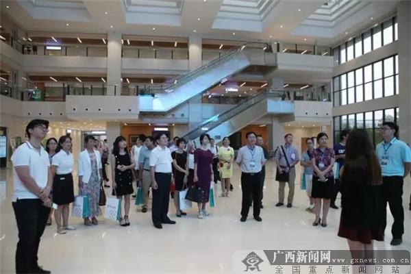 """""""大伽""""云集柳州市工人医院 谋划人文医院建设"""