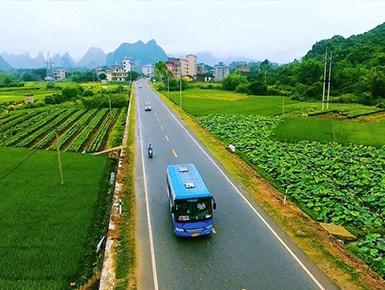 """广西农村公路里程达98300公里 """"出行难""""现状改善"""