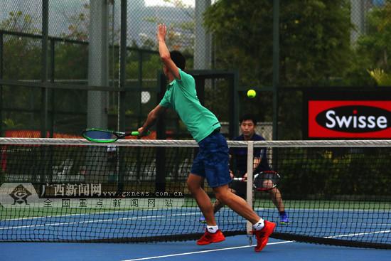 2018广西网球精英团体赛打响 网球高手激战南宁