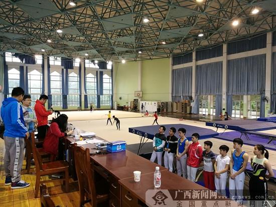 广西蹦床男队网上组进行专项测验 检验冬训成果