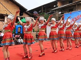 高清组图:桂北山区传统会期高兴多