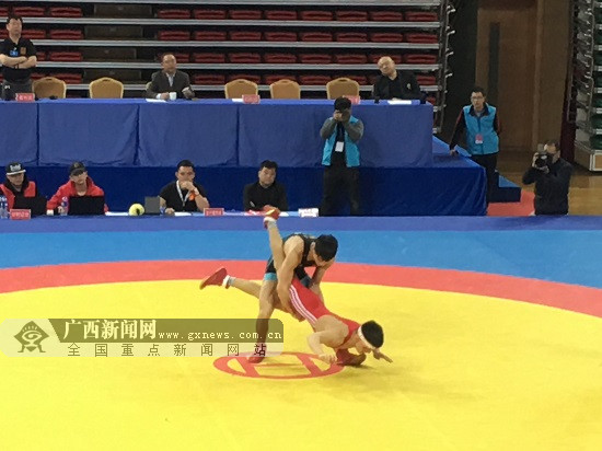 广西运动员曹利国获全国古典式摔跤55公斤级冠军