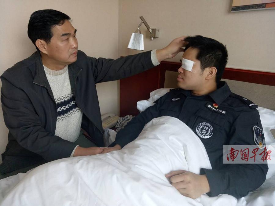 4月12日焦点图:90后民警勇护孕妇 左眼受伤不幸失明