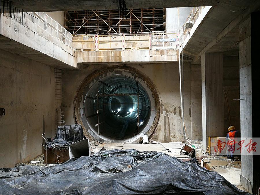 """4月17日焦点图:南宁地铁3号线全线隧道""""洞通"""""""