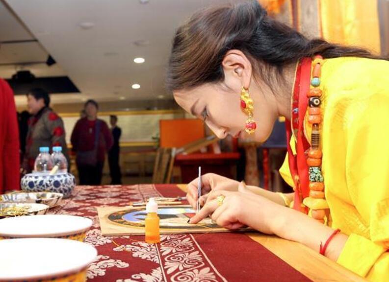 青海玛多特色文化亮相上海