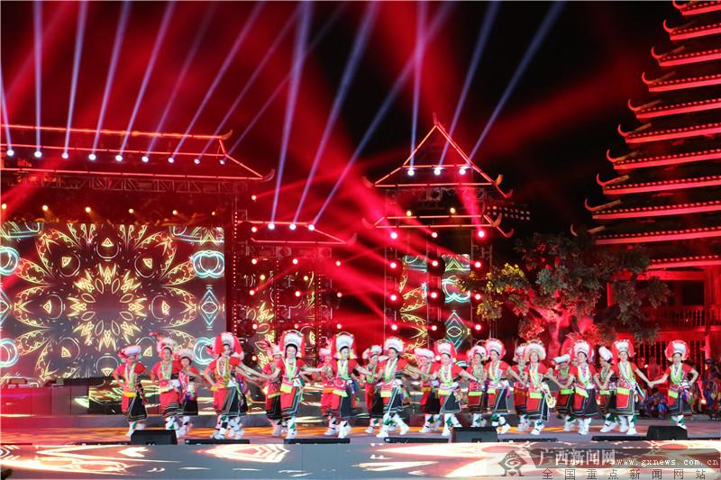 """台湾少数民族代表团与广西各族同胞同庆""""壮族三月三"""""""