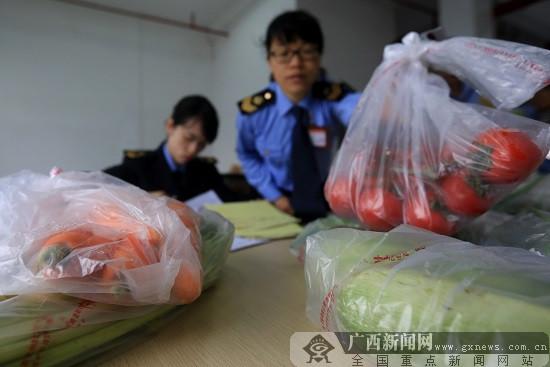 广西融安:开展食品安全检查 保障免费午餐安全