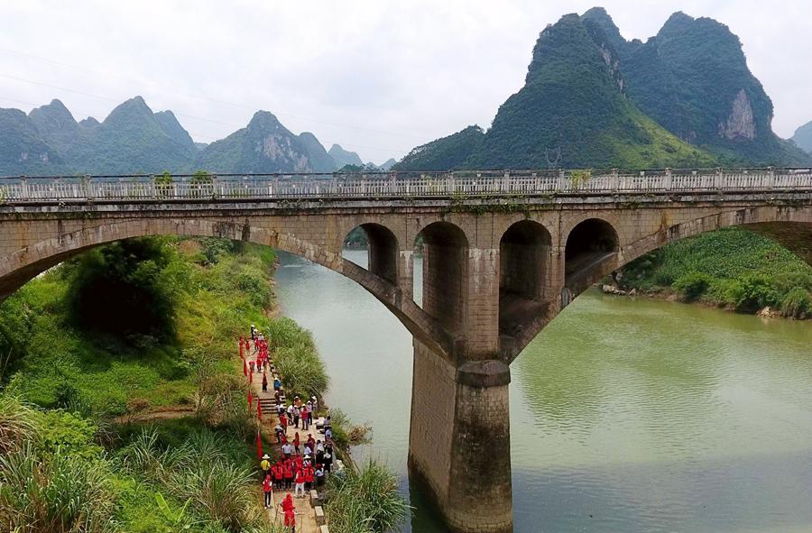 河池开展主题活动保护龙江河及其支流(组图)