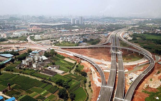 柳州市东外环北段现雏形 力争12月通车