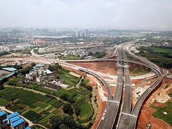 柳州市东外环北段已现雏形 力争12月建成通车(图)