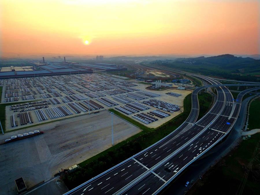 高清:平地而起的新城 40年见证柳州巨变沧海桑田
