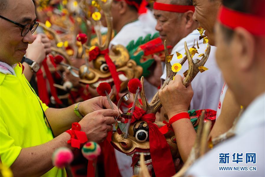 (XHDW)(5)澳门举办传统舞醉龙活动
