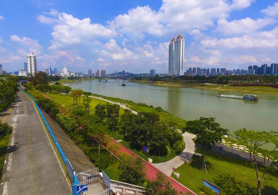 5月22日焦点图:邕江整治 将沿江打造15座滨江公园