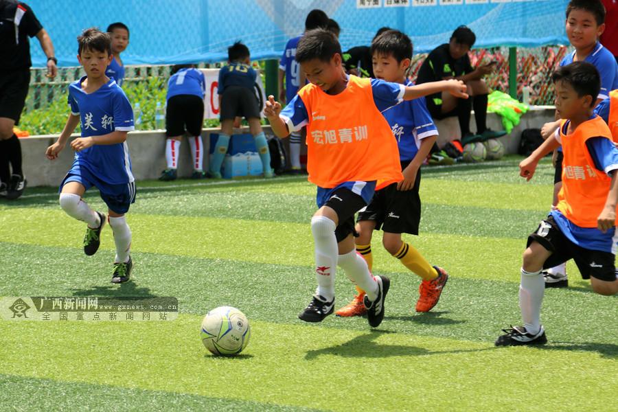 青少年足球赛打头阵 南宁兴宁区体育旅游大会启幕