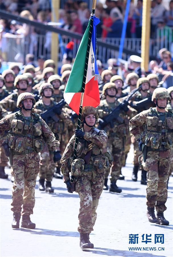 (国际)(7)意大利庆祝共和国日