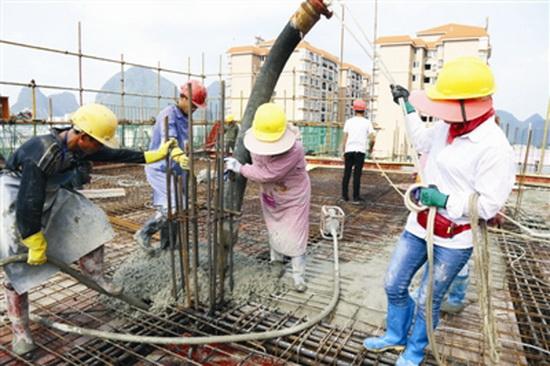 大化布努大酒店主体工程顺利封顶