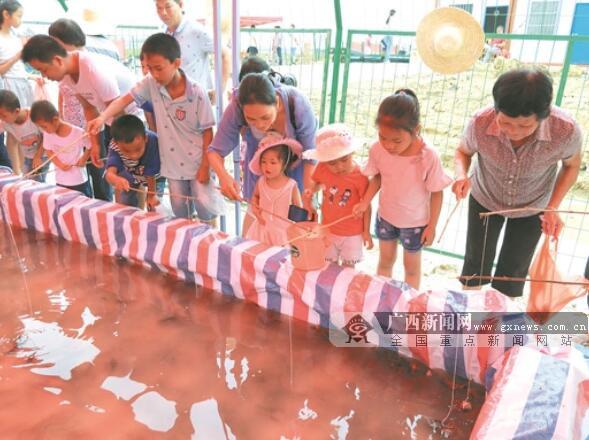 贵港庆丰镇:虾稻共作,荷城养出小龙虾