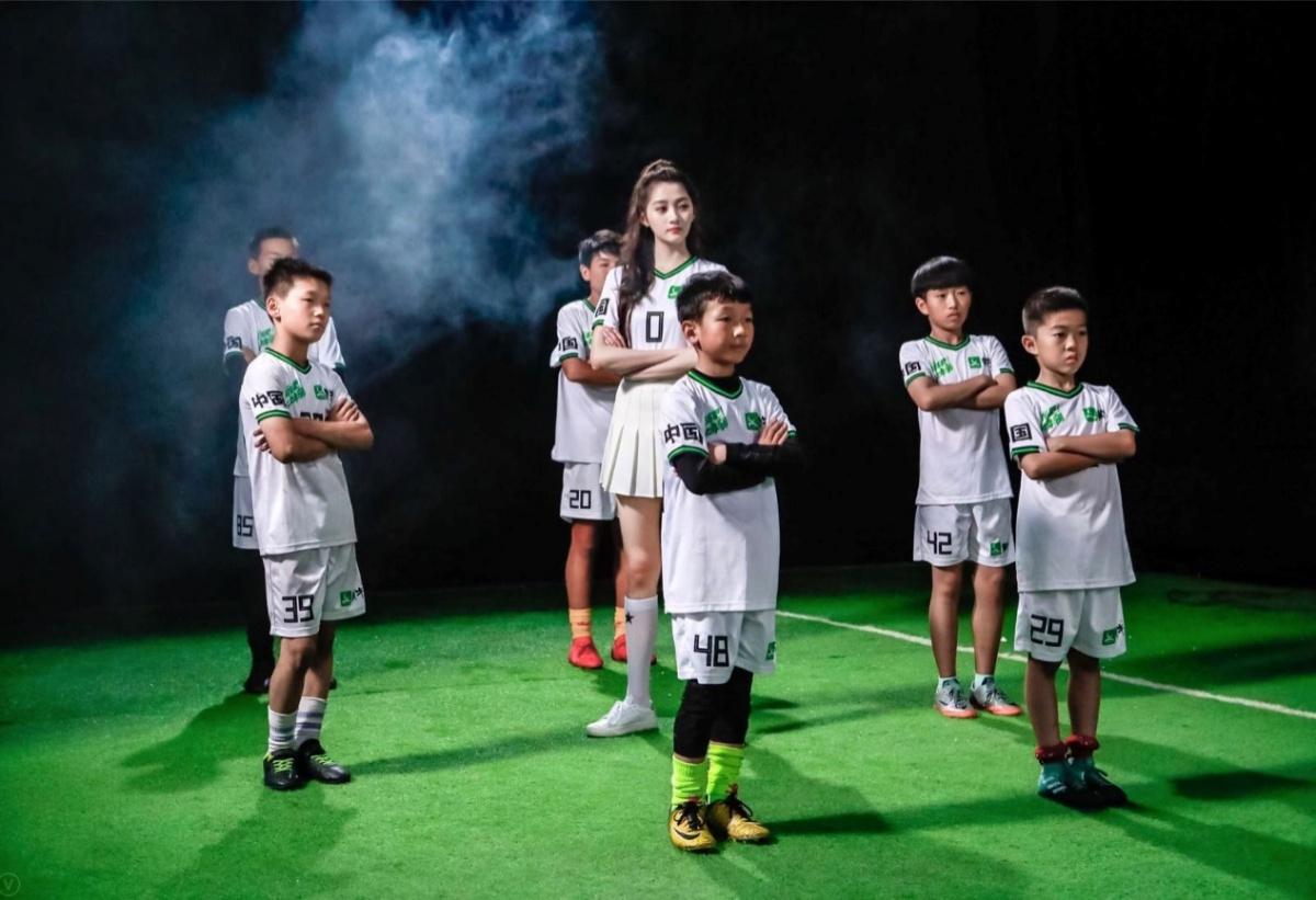 《踢球吧!少年强》 蒙牛带中国少年登上世界杯赛场
