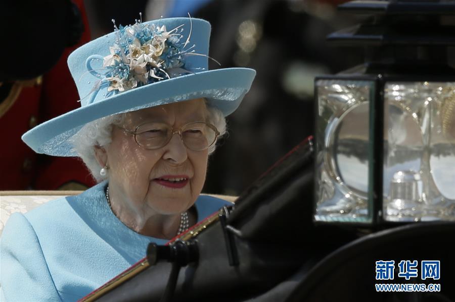 (国际)(4)英女王生日庆典在伦敦举行