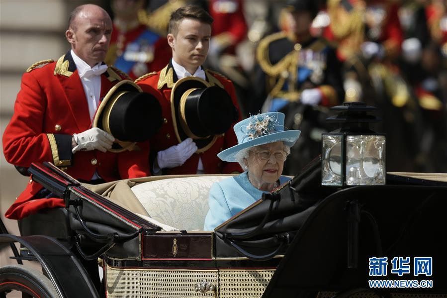 (国际)(2)英女王生日庆典在伦敦举行