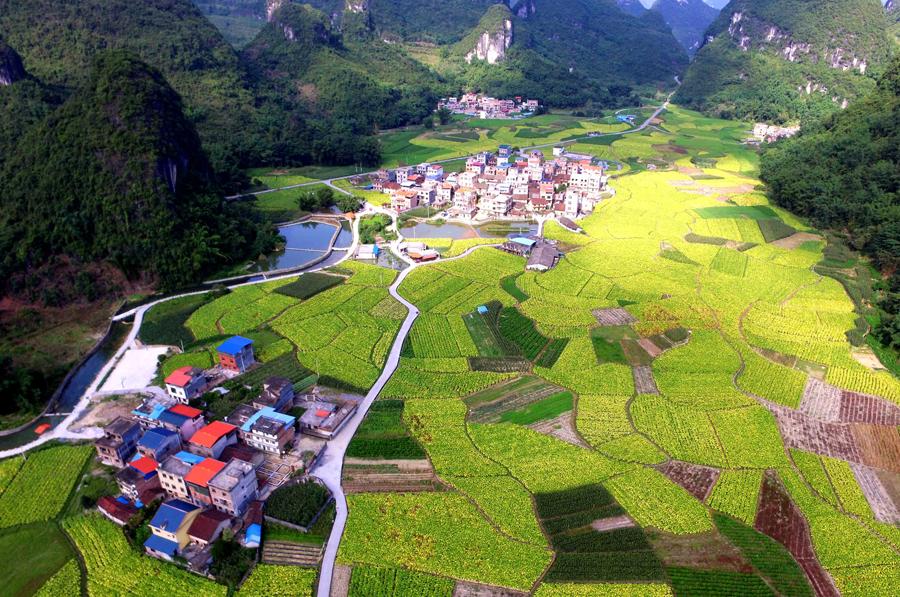 航拍:罗城乡村绚丽多彩景色如画