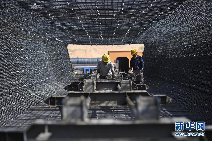 (经济)(6)银西高铁甘宁段建设稳步推进