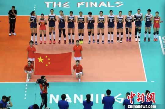 澳门威尼斯人电子游艺:世界女排联赛总决赛中国队负于美国队_将再战巴西队争第三