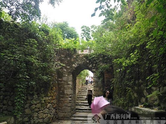 献礼自治区60周年大庆 鹿寨县展乡村旅游新风貌
