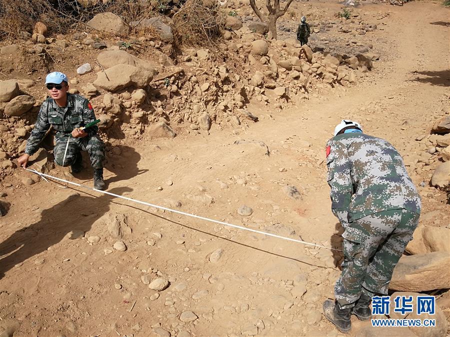 (国际・图文互动)(2)中国赴苏丹达尔富尔维和工兵分队圆满完成道路勘察任务